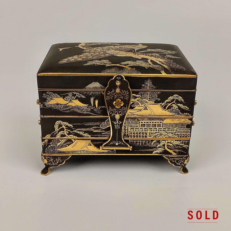 Japanese iron box signed Fujii Yoshitoyo Damascene Co. Meiji period